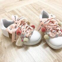 Adidasi white-pink fetite Quickas