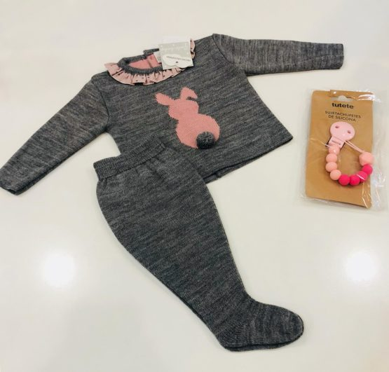 Compleu gri din tricot cu iepuras roz