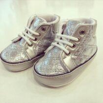 Sneakers arginti lucioși