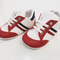 Teniși alb-roșu