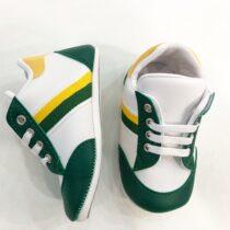 Teniși alb-verde